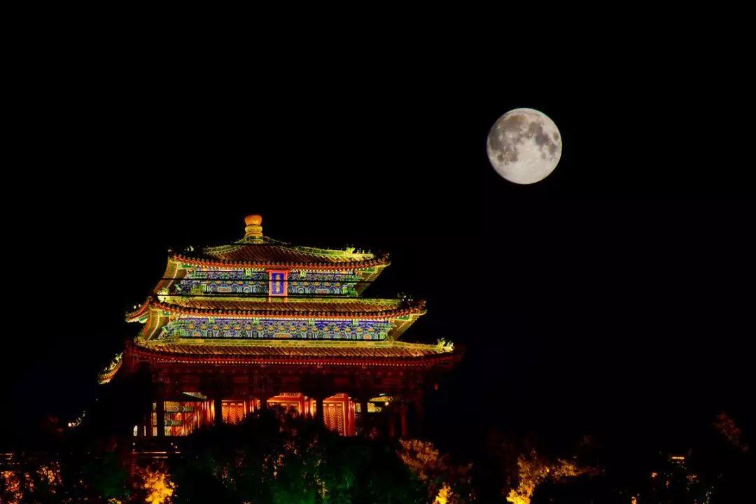 中国人为什么要过中秋?吃月饼背后的个人记忆与团圆情结!