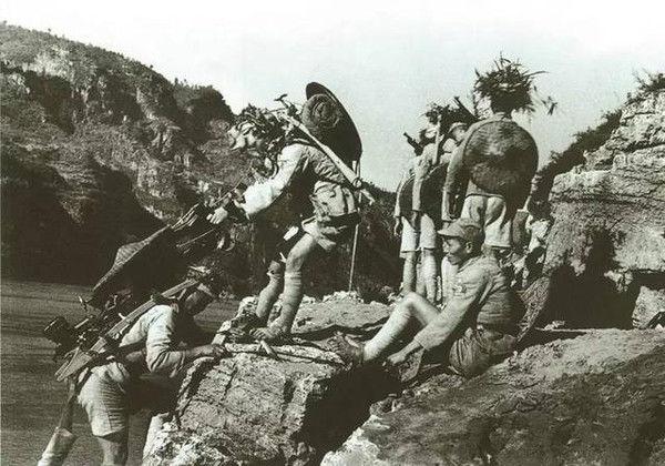 单纯的防御战VS防御+运动战,这就是中国人民的智慧,日本学不来
