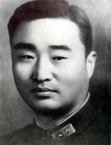 原创他是黄埔第一猛将,率数万泰山军血战日军,虽最终投降却赢得尊重