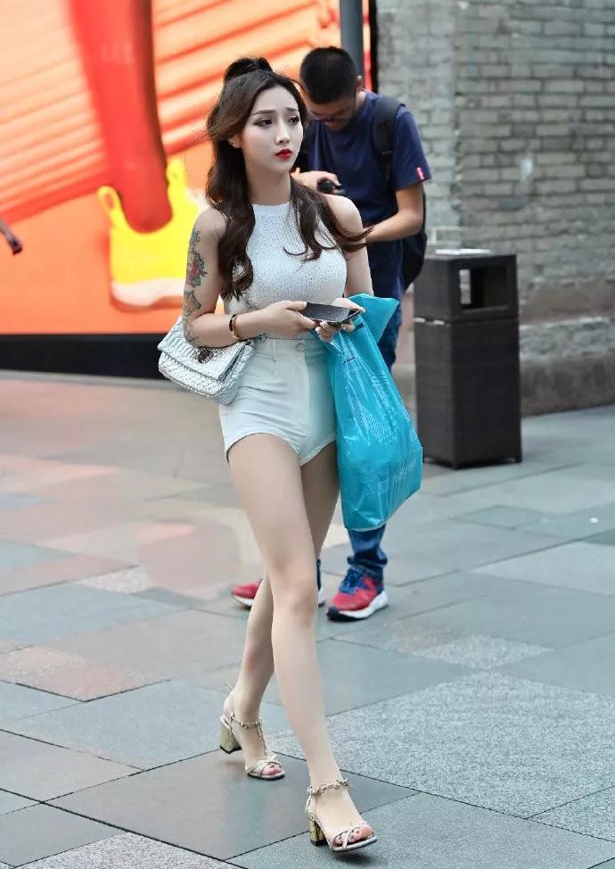 原创高跟鞋时尚又美丽,带个女生十足的韵味