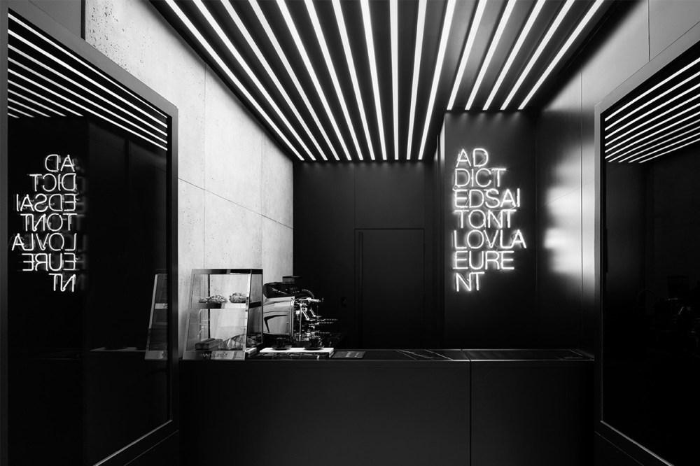 YSL 圣罗兰巴黎开设咖啡厅  型格十足