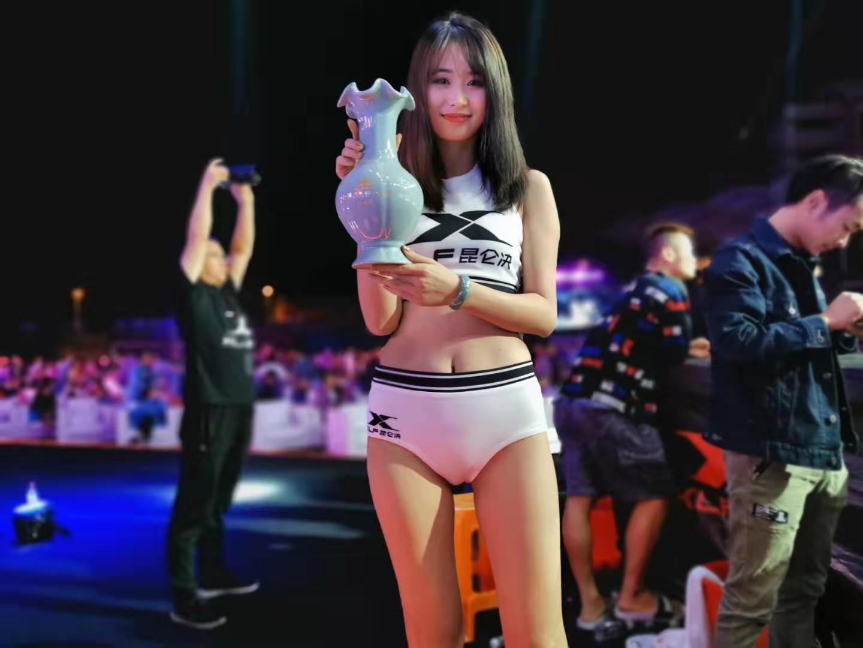 原创模特太漂亮,被要求不能化妆,否则影响拳王专心打比赛