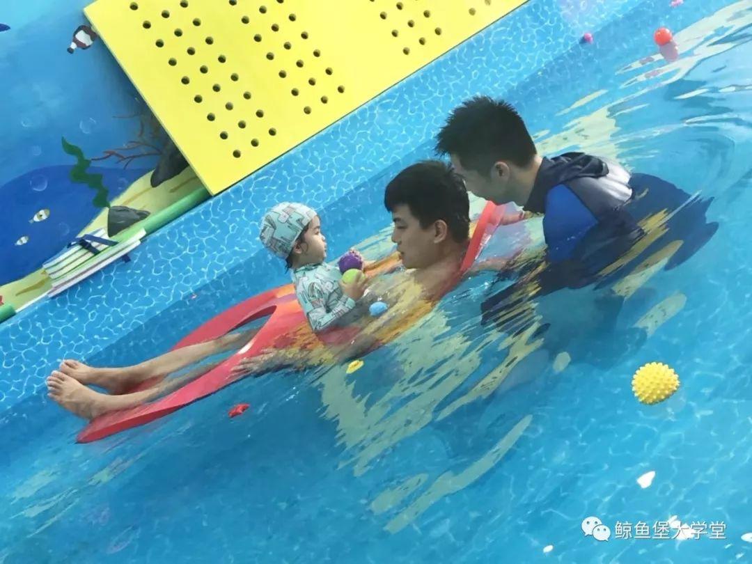親子游泳如此盛行你竟還不了解?也太out!