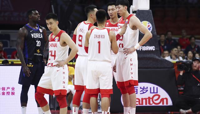 原创李楠:中国男篮会越来越好,相信球迷们会一直支持我的工作
