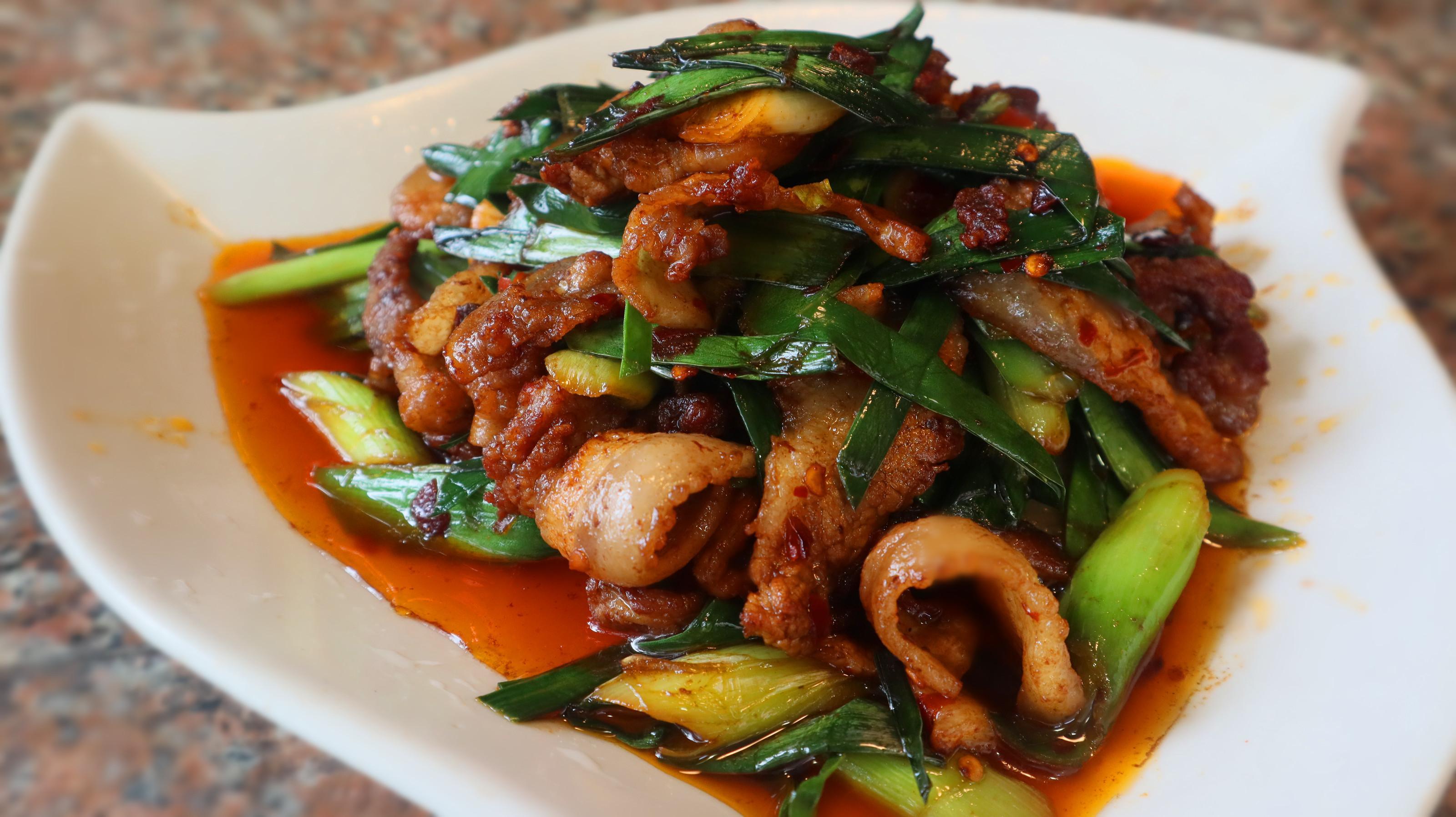 大厨教你做经典川菜盐煎肉,比回锅肉简单美味,肥而不腻特下饭