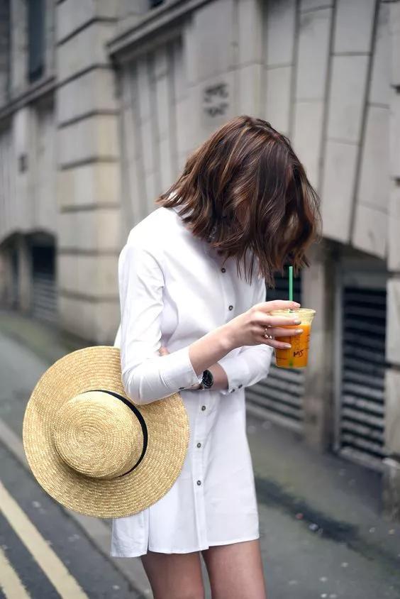 短款白色衬衫裙
