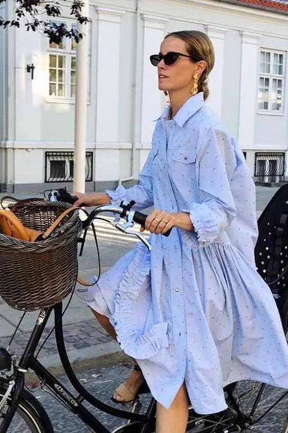 蓝色小碎花衬衫裙