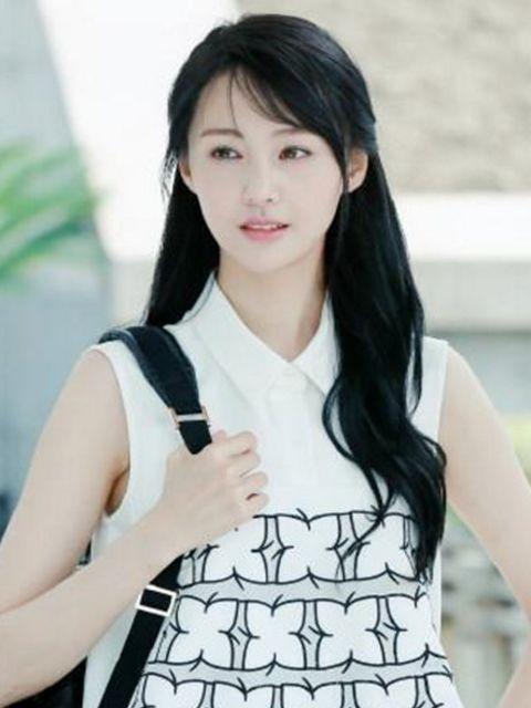 原创郑爽3个大学室友,景甜阚清子都已走红,而她搭档王凯都不火