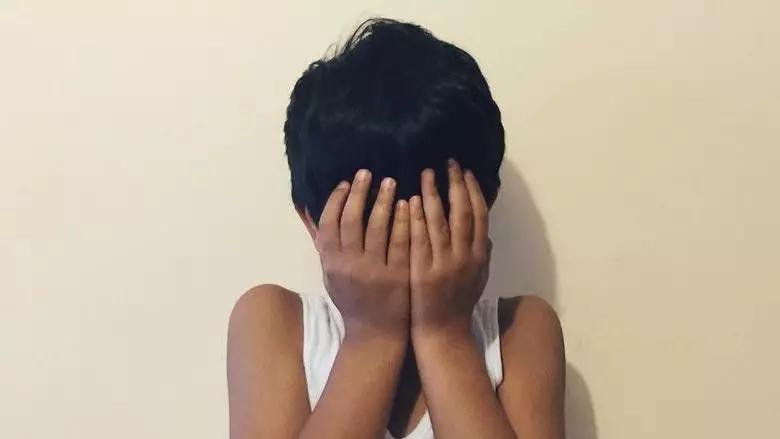 迪拜网友评论太赞了!5岁亚裔被遗弃在迪拜商场后续