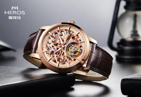 瑞士爱龙仕荣耀推出全自动镂空陀飞轮高级腕表