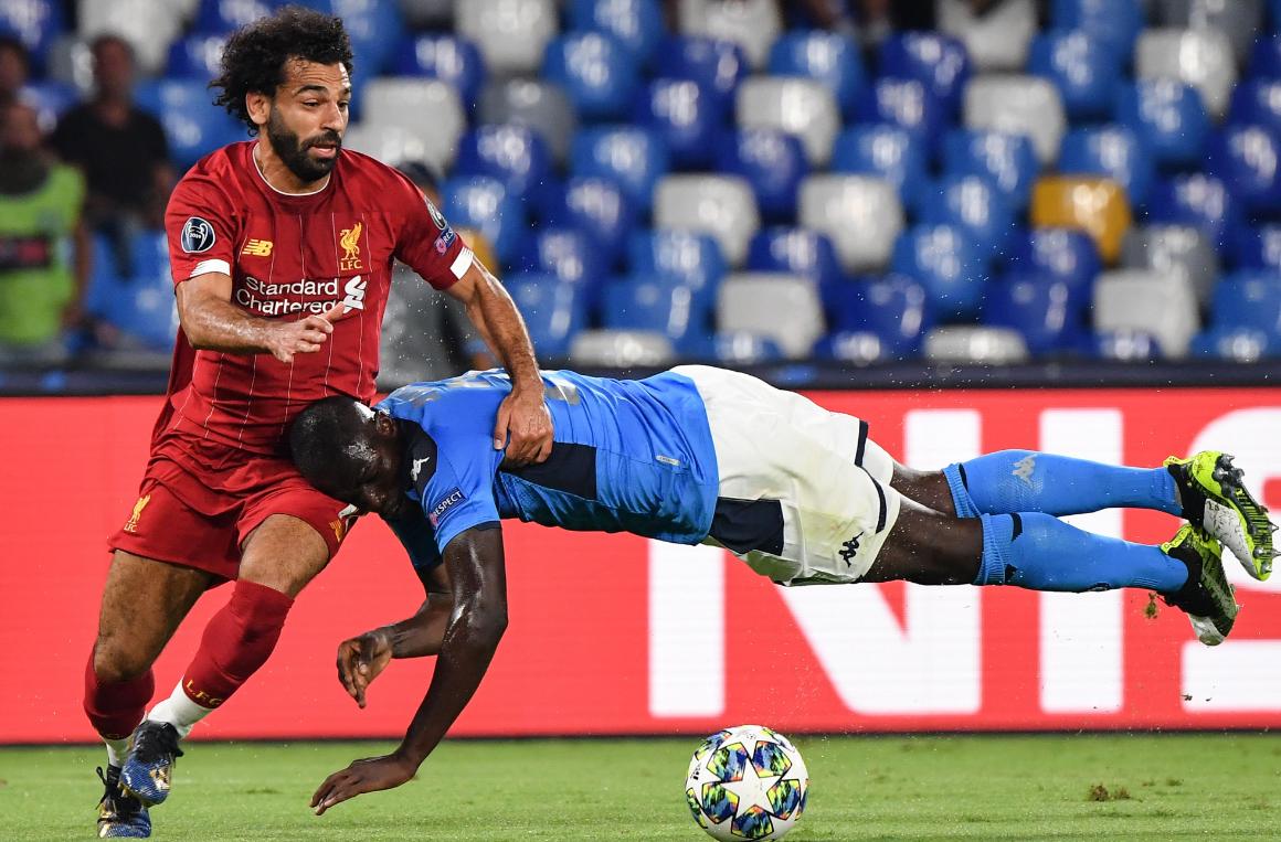 欧冠-红军10分钟两送大礼利物浦客场0-2那不勒斯