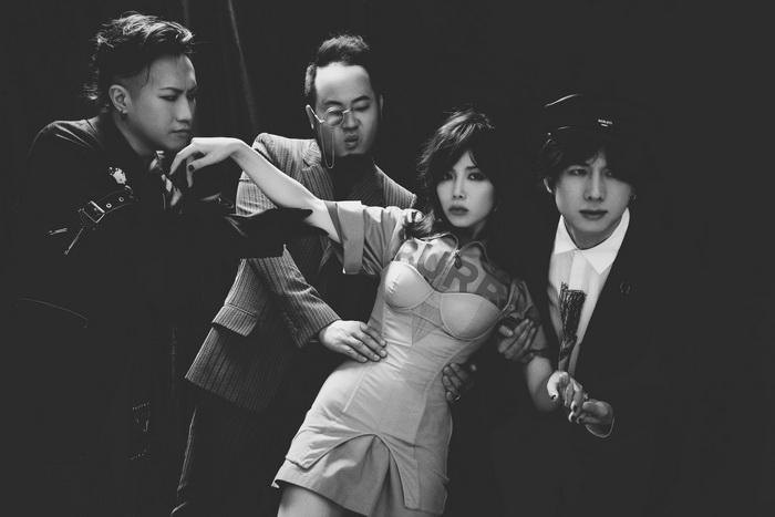 咖啡因乐队《螺旋自动扶梯》MV上线 热血诠释时空的秘密