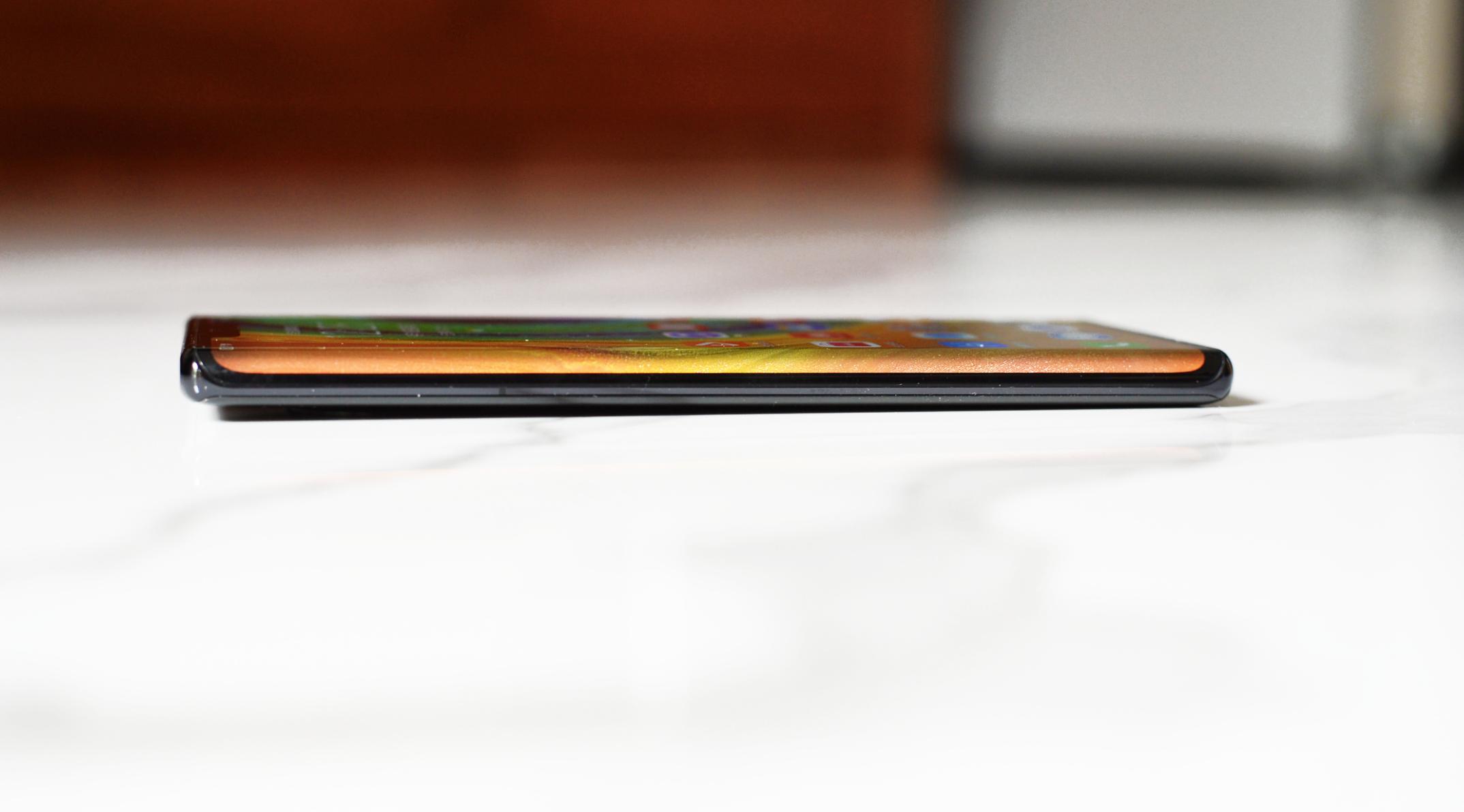 华为Mate30 Pro图赏:超曲面环幕屏,搭载麒麟990芯片的照片 - 5