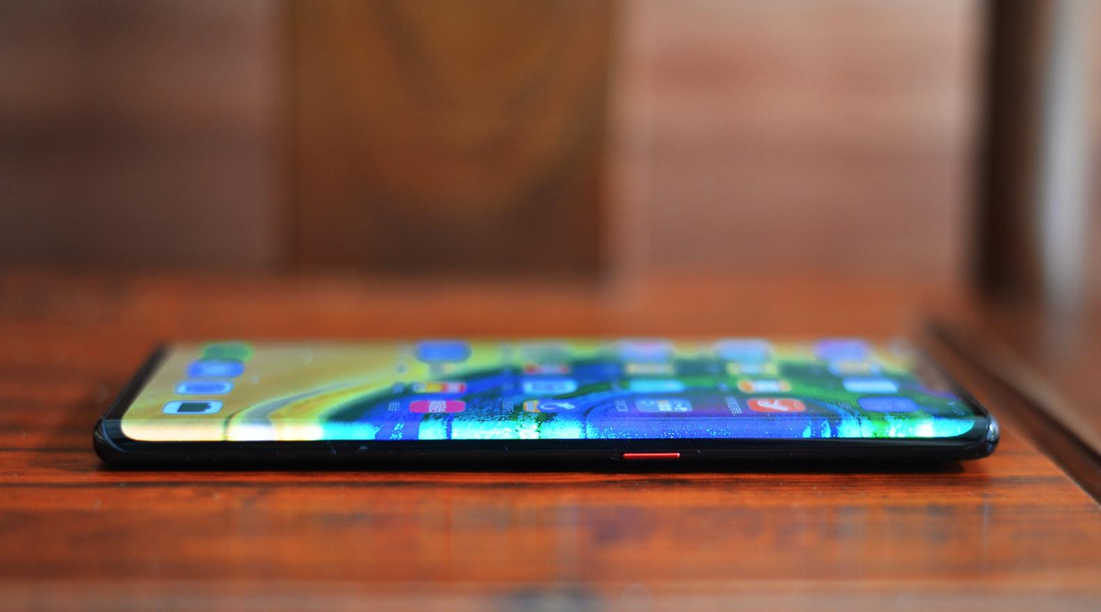 华为Mate30 Pro图赏:超曲面环幕屏,搭载麒麟990芯片的照片 - 15