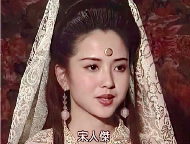 原创53岁陶慧敏青涩旧照美成仙女,曾为亡夫守寡10年,二婚嫁周迅恩师