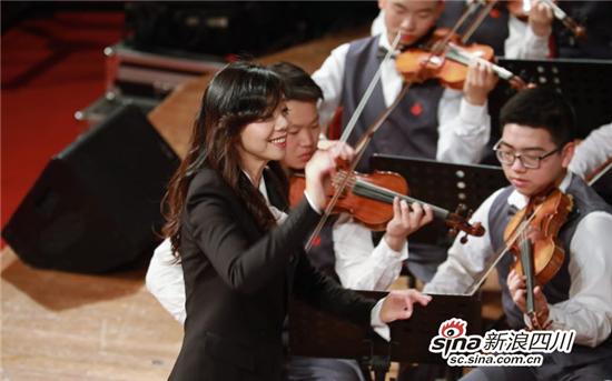 擦亮学校艺术特色名片让音乐成为学生快乐源泉!成都20中郦嘉赢了