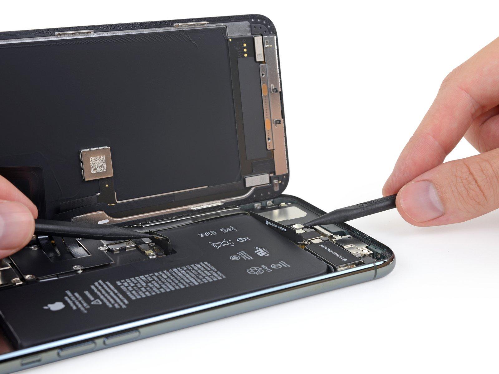 iPhone 11 Pro Max 详尽拆解 双层超小主板的照片 - 14