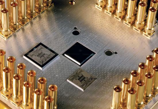 量子霸权实现?谷歌3分20秒完成世界第一超算万年运算的照片 - 2