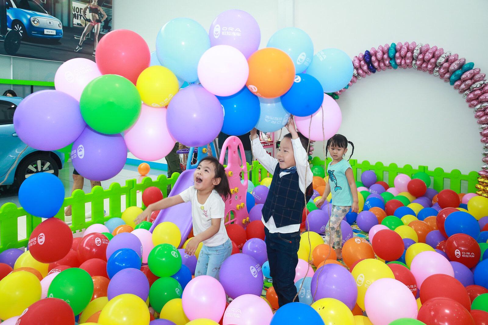 """欧拉秀,30组家庭嗨玩R1亲子版""""大玩具"""""""