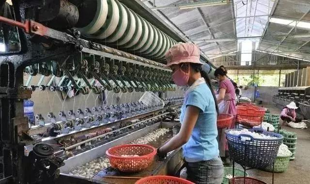 东南亚劳动力成本会便宜多久?跨国制造业工厂搬出中国容易搬回难!