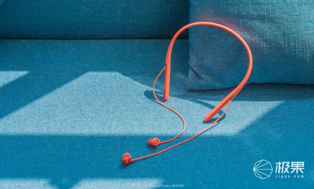 OPPOEncoQ1无线降噪耳机,安静聆听,舒适出行