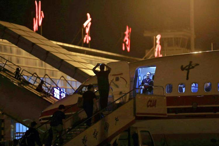 百年南苑机场送走最后一架民航出港航班 组图