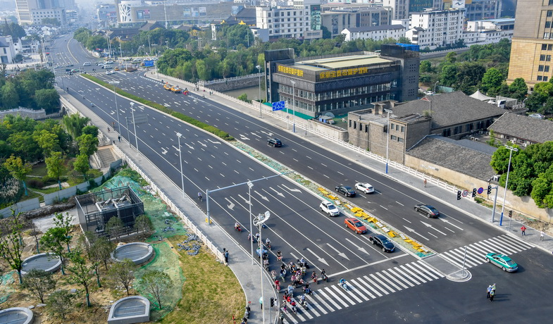 今天上午08:50,常州同济桥正式恢复通车