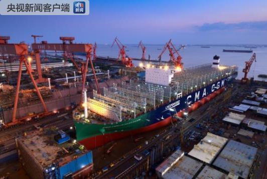 中国造!全球首艘23000箱液化天然气动力集装箱船下水-国际在线