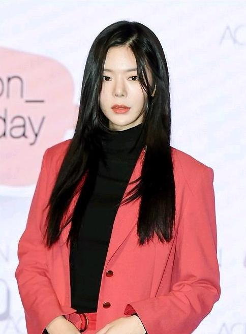 某韓女星整容失敗,塑料鼻子,網友:這鼻孔會發光