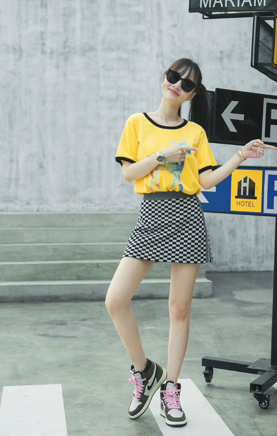 李小璐转行做潮牌卖衣服?还亲自做模特卖力宣传
