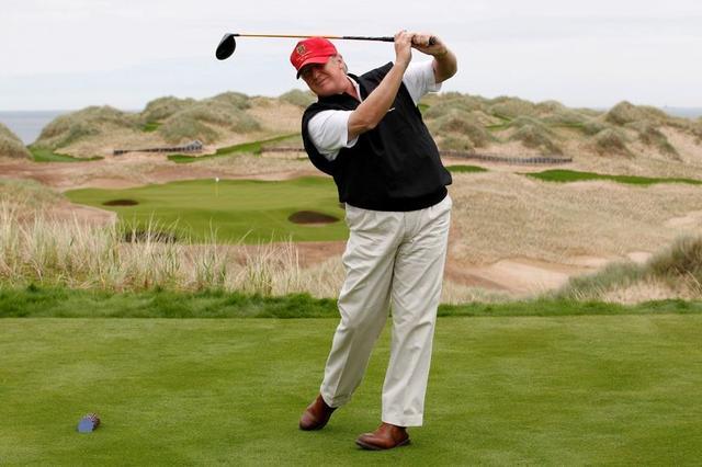 原创地产商特朗普要在苏格兰高尔夫球场建豪宅,当地居民反对,说太贵
