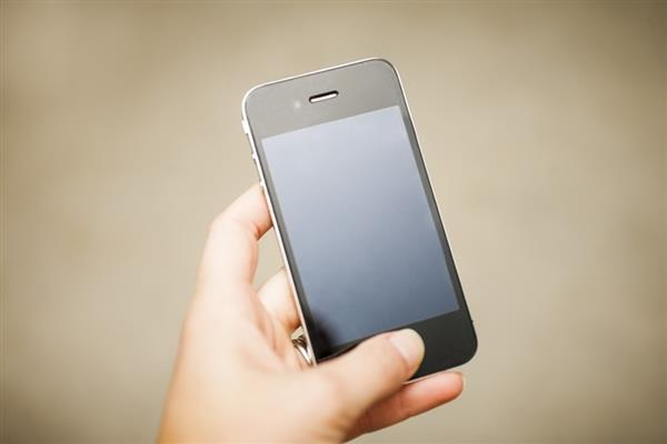 iPhone 12 Pro假想渲染图:干掉刘海、外观回归iPhone 4的照片 - 1