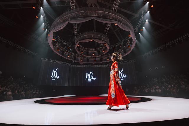 2019柯桥时尚周(秋季)闭幕秀在中纺CBD·东方米兰国际时尚发布中心圆满落幕