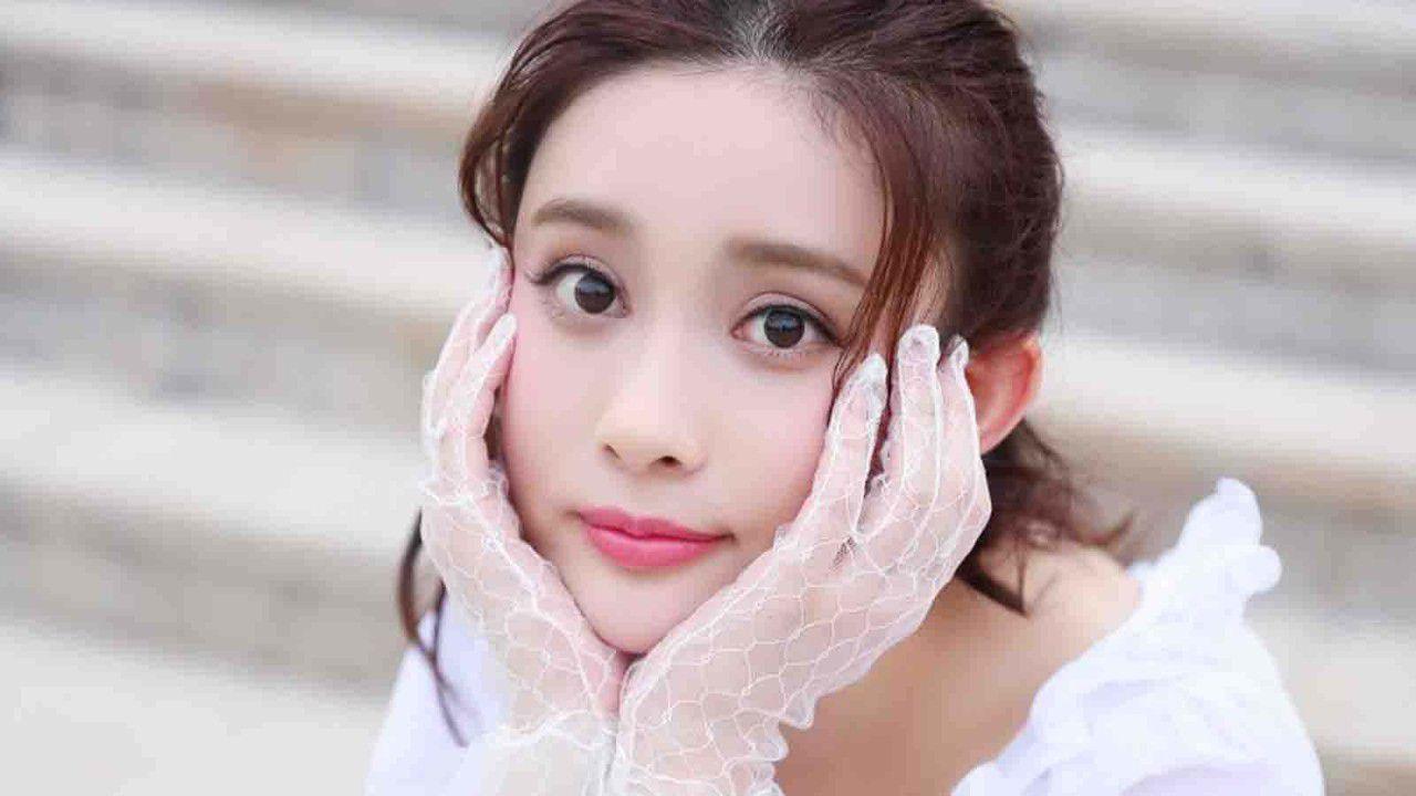 她拍戏必加戏,被袁咏仪骂被网友怼, 今在《中国机长》成败笔