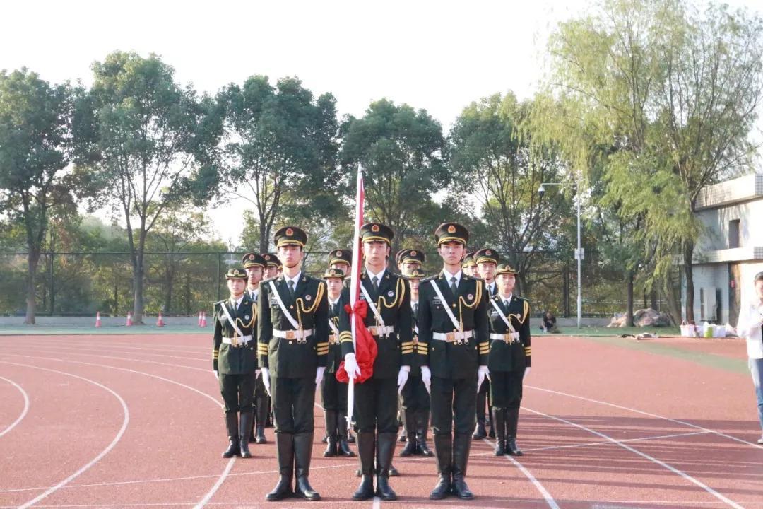 我院师生参加武汉工程大学举行的庆祝中华人民共和国成立70周年升