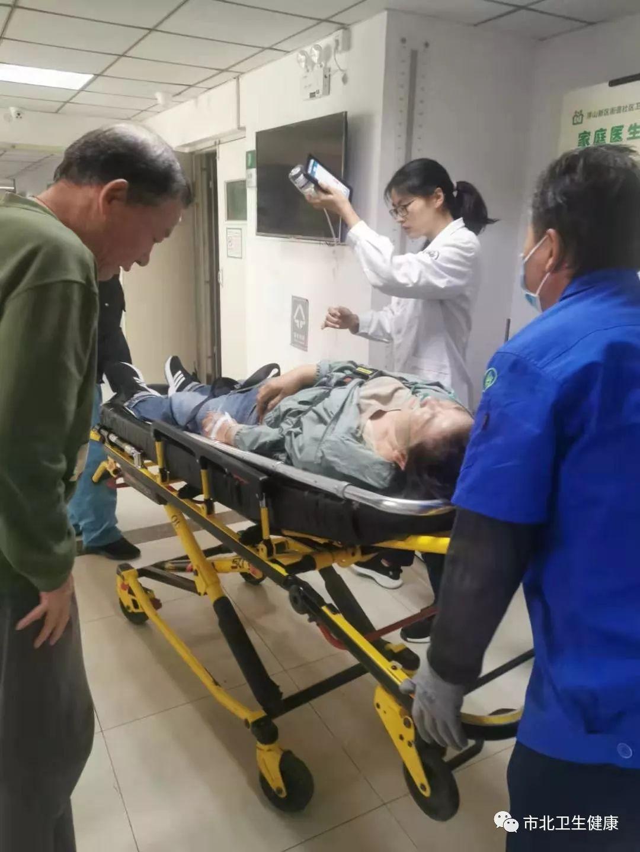 【社區衛生在線】市北區浮山新區街道社區衛生服務中心:突發狀況應對得當,搶救病人臨危不亂