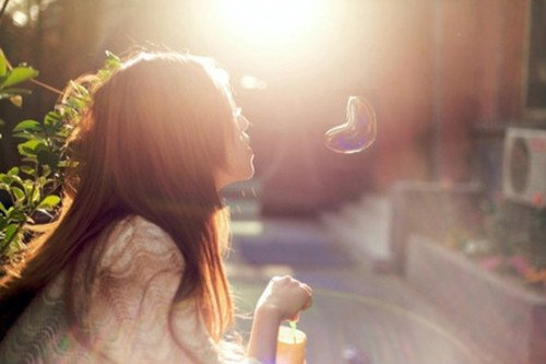 英语下午茶:是爱,而不是时间,能够治愈一切伤痛