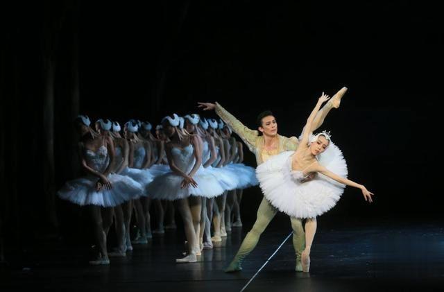 坪山大劇院開始營運,首秀迎來香港芭蕾舞團新版《天鵝湖》