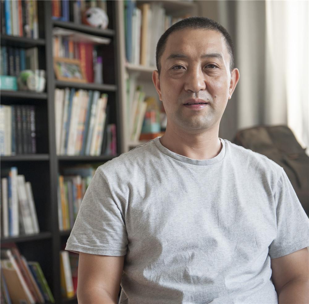 张卫峰的学术研究与金属艺术创作