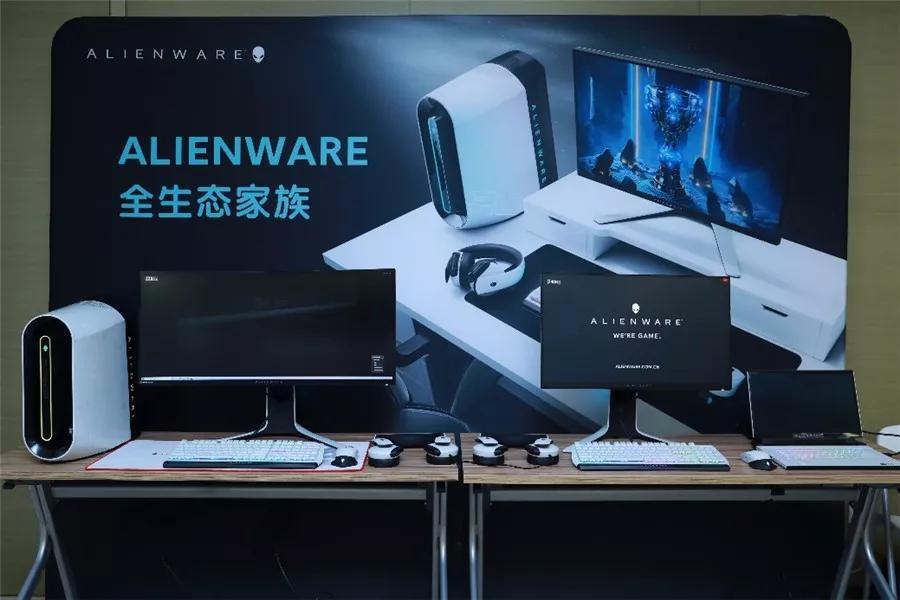 电视一样大的显示器见过么?这样玩游戏才够爽
