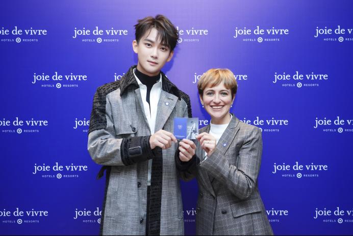 首北兆龙饭店携手演员及歌手熊梓淇推出首月特色体验