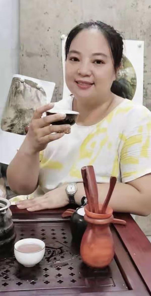画家蒋松玉——雍容大气 清新优雅