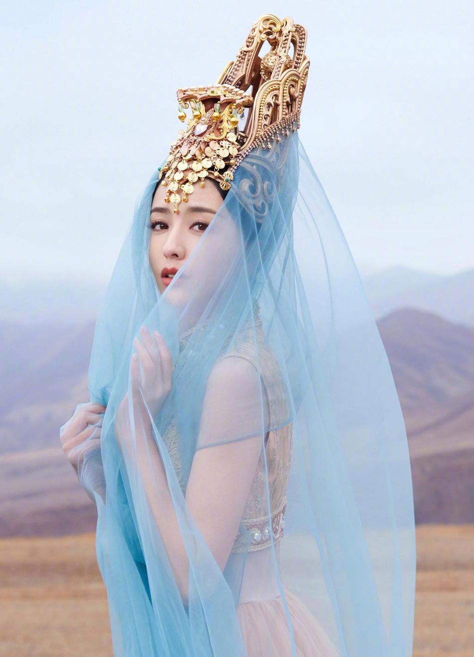 美若天仙!佟麗婭舞劇海報首度曝光 身姿曼妙顏值高化身絕美少女
