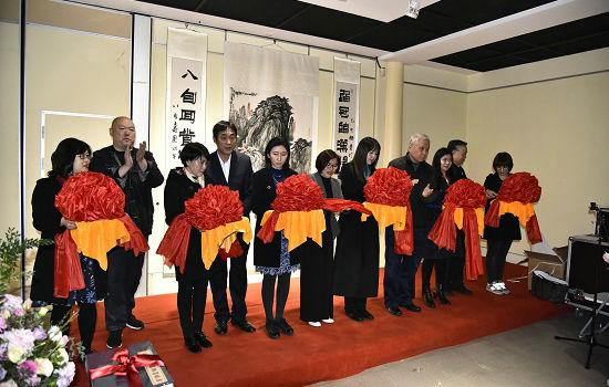 著名收藏家马未都参观赵普书画作品回顾展并给予高度评价