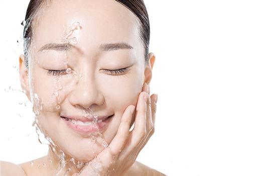 用什么洗脸最好?怎样洗脸才是正确?