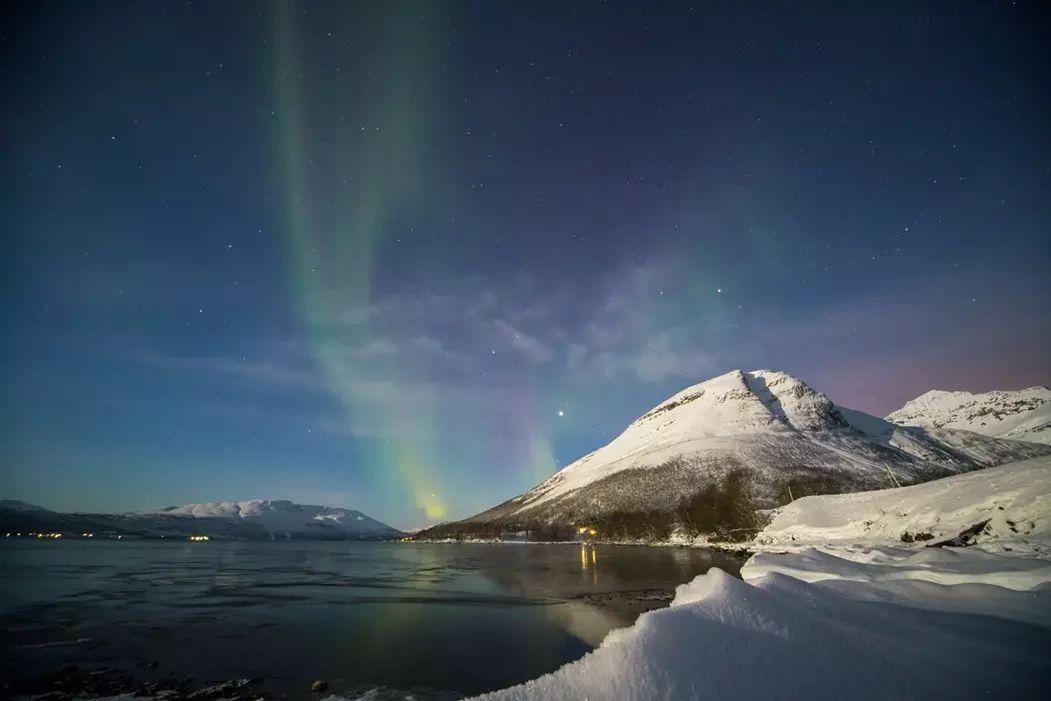 挪威纳尔维克滑雪  冬季峡湾风光