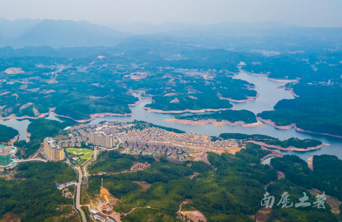 中华第一高瀑,疑是银河落九天
