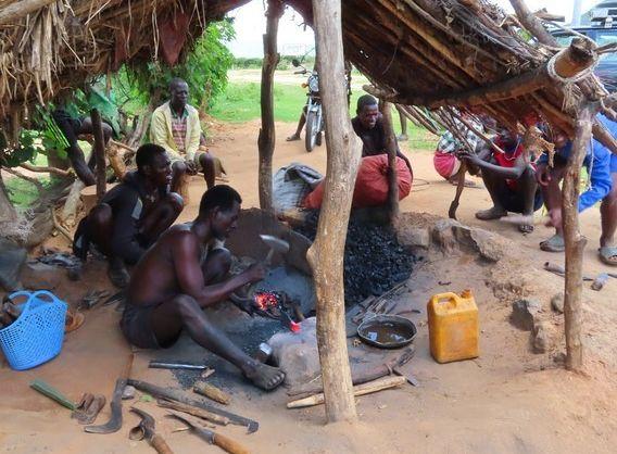 最霸道的原始部落,婚礼现场新娘求助,游客也无能为力