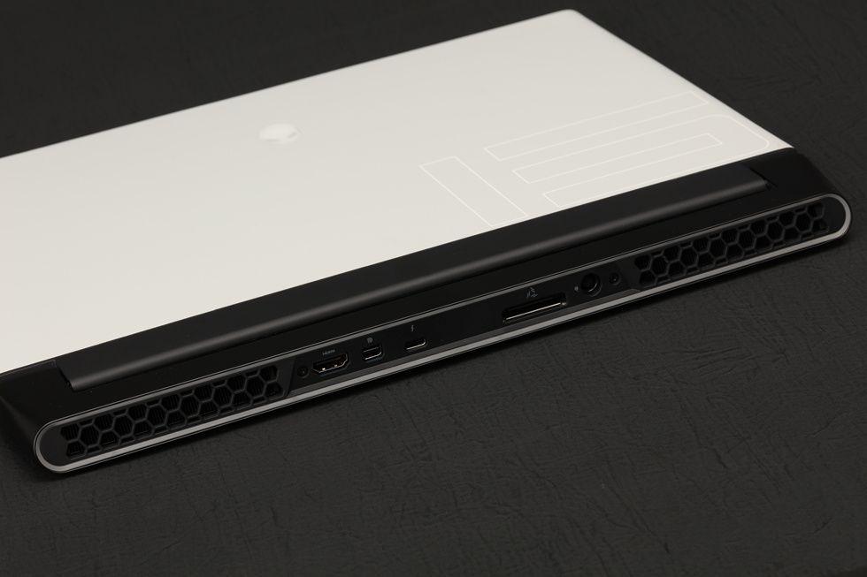 新款外星人Alienware M15 R2 ALW15M-R4958W 笔记本评测