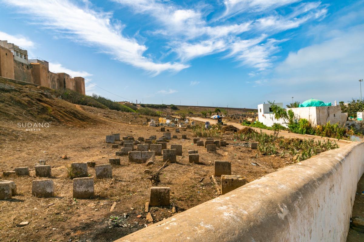 摩洛哥之旅:中国游客走进墓地,阿拉伯人死后葬礼简单